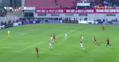Vidéo : Iheb Msakni ouvre le score pour l'ESS