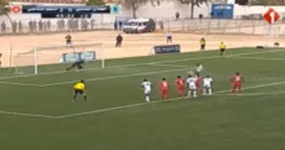 Vidéo : Achref Zouaghi réduit le score pour le CS Chebba