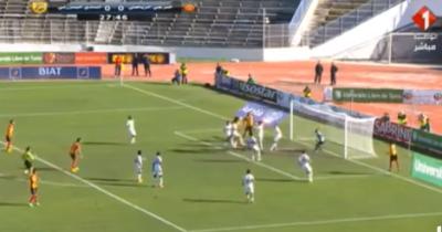 Vidéo : Taha Yassine Khenissi ouvre le score pour l'EST