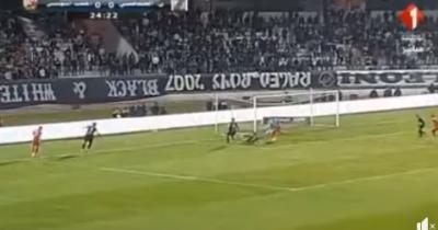 Vidéo : Aymen Sfaxi ouvre le score pour le ST